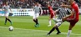 Arjen Robben scores from a narrow angle vs. Frankfurt | 2016-17 Bundesliga Highlights