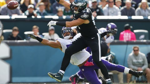 Brent Celek, TE, Eagles (ribs): Active