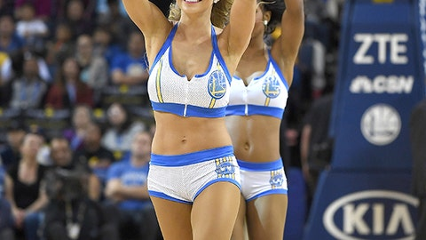 Warriors dancers