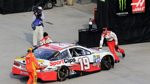 Can Carl Edwards rebound from Martinsville trouble?