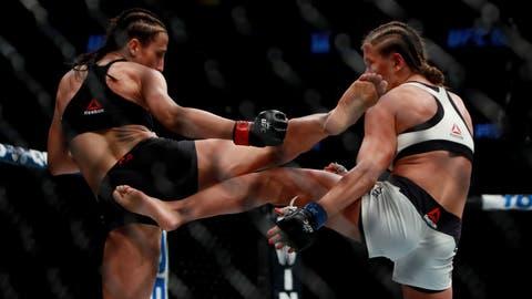 UFC 205: Jedrzejczyk v Kowalkiewicz