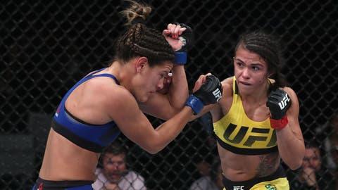 Claudia Gadelha vs. Carla Esparza