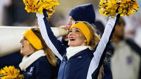 West Virginia cheerleaders