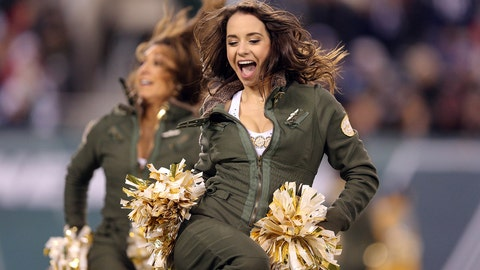 Jets cheerleader