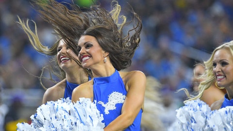 Lions cheerleaders