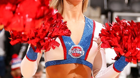 Pistons dancer
