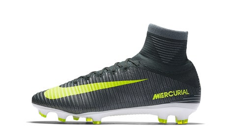 2016 — Mercurial Superfly V CR7 Discovery