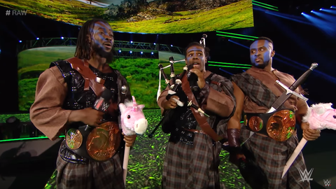 Tag team 5v5 - Team Raw: The New Day