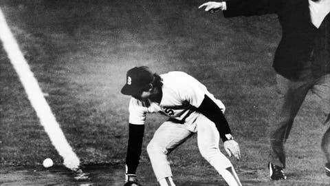 Bill Buckner, 1986 World Series, Game 6 (Shea Stadium)