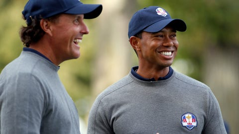 Tiger Woods vs. Phil Mickelson (Sunday in a major)