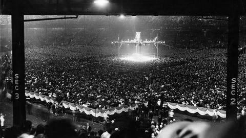 Joe Louis vs. Max Schmeling, 1938 heavyweight title fight (Yankee Stadium)