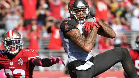 Chicago Bears at Tampa Bay Buccaneers, 1 p.m. FOX (710)