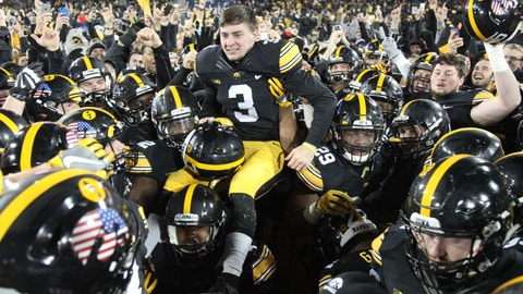 Iowa Hawkeyes (6-4)