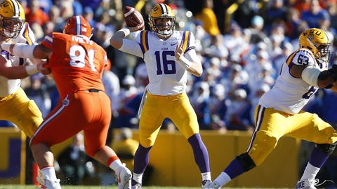 LSU: Develop a downfield passing game