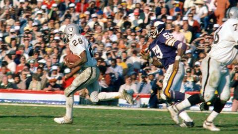 Super Bowl XI - Oakland 32, Minnesota 14
