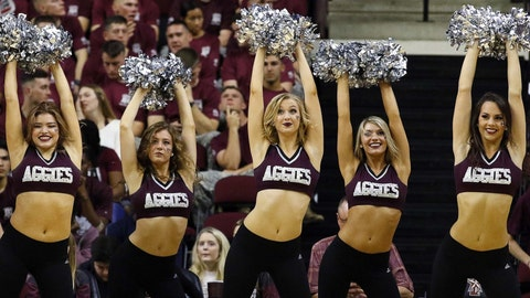 Texas A&M cheerleaders