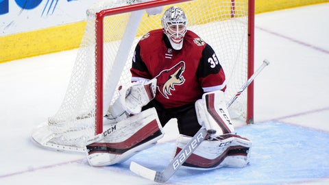 Coyotes trade Domingue to Lightning for McGinn, Leighton