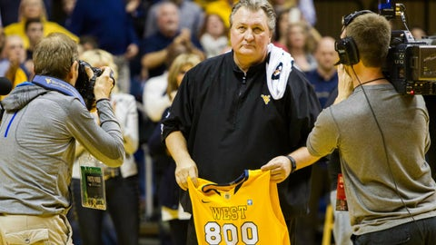 Milestone of the Week: West Virginia coach Bob Huggins picks up his 800th win