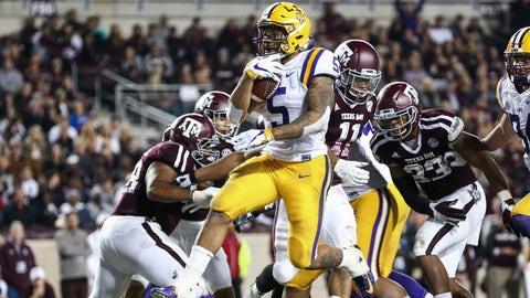 LSU romps past Texas A&M on Thanksgiving night
