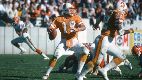 1977 Buccaneers (0-12): Finished 2-12