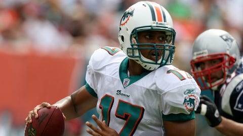 2007 Dolphins (0-13): Finished 1-15