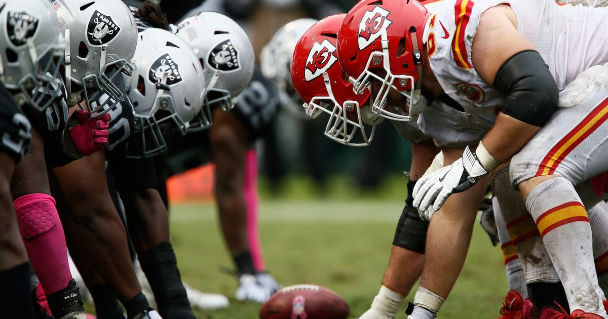 various colors 5dd18 ea490 Chiefs-Raiders rivalry turns sour with teams on opposite ends of spectrum    FOX Sports