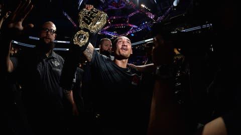 UFC 206: Holloway v Pettis