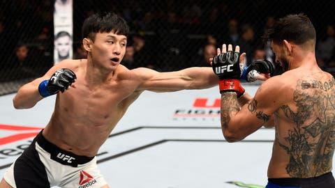 Dooho Choi (14-2) vs. Andre Fili (16-4)