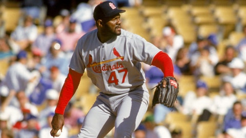 LOS ANGELES - APRIL 13:  Lee Smith #47 of the St. Louis Cardinals pitches against the Los Angeles Dodgers at Dodger Stadium on April 13, 1993 in Los Angeles, California.  (Photo by Bernstein Associates/Getty Images)