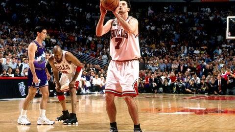 San Antonio Spurs: Dwayne Schintzius over Toni Kukoc (1990, Pick No. 24)