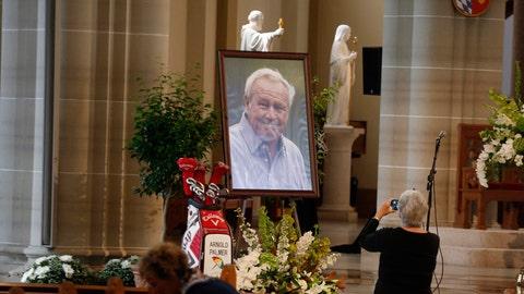 7. Golf legend Arnold Palmer dies