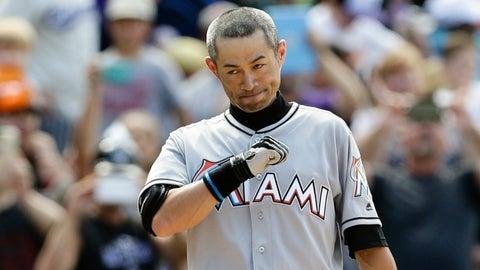 Ichiro reaches 3K on a three-bagger