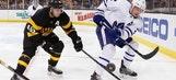 Matthews, Hyman score in 2nd, Maple Leafs beat Bruins 4-1 (Dec 10, 2016)