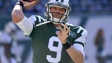 FILE - In this Sunday, Nov. 13, 2016 file photo, New York Jets quarterback Bryce Petty (9) warms up before playing against the Los Angeles Rams in an NFL football game in East Rutherford, N.J. The Jets play the Miami Dolphins on Saturday, Dec. 17, 2016. (AP Photo/Bill Kostroun, File)