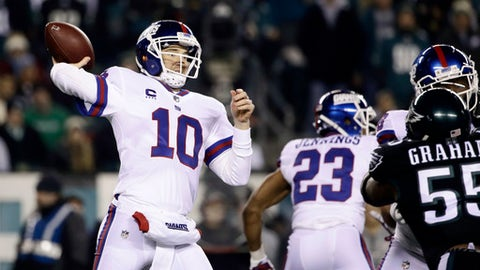 New York Giants' Eli Manning passes during the first half of an NFL football game against the Philadelphia Eagles, Thursday, Dec. 22, 2016, in Philadelphia. (AP Photo/Matt Rourke)
