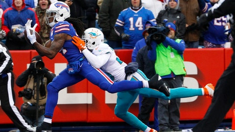 Buffalo Bills wide receiver Sammy Watkins (14) catches a pass for a touchdown in front of Miami Dolphins' Xavien Howard (25) during the first half of an NFL football game, Saturday, Dec. 24, 2016, in Orchard Park, N.Y. (AP Photo/Bill Wippert)