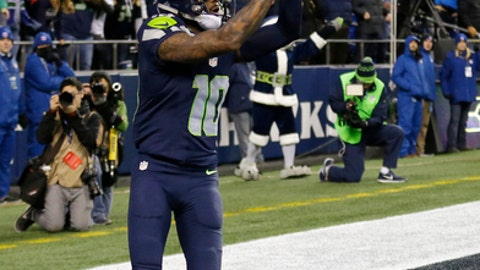 Seattle Seahawks' Paul Richardson catches a touchdown pass late in the second half of an NFL football game against the Arizona Cardinals, Saturday, Dec. 24, 2016, in Seattle. (AP Photo/Ted S. Warren)