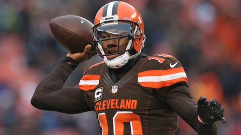 FILE - In a Saturday, Dec. 24, 2016 file photo, Cleveland Browns quarterback Robert Griffin III (10) throws a pass to Isaiah Crowell in the second half of an NFL football game against the San Diego Chargers, in Cleveland. Griffin III remains in concussion protocol and could miss Sunday's season finale in Pittsburgh. (AP Photo/Aaron Josefczyk, File)