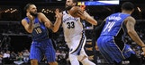 GRIZZLIES LIVE To Go: Grizzlies rally in 4th Quarter to defeat Magic 95-94