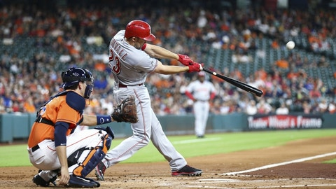Braves acquire Reds outfielder Adam Duvall