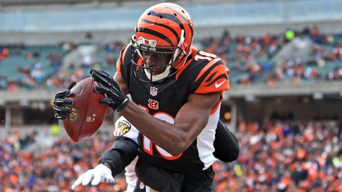CINCINNATI, OH - JANUARY 3: Wide receiver A.J. Green #18 of the Cincinnati Bengals catches a pass for a touchdown while being defended by defensive back Shareece Wright #35 of the Baltimore Ravens during the third quarter at Paul Brown Stadium on January 3, 2016 in Cincinnati, Ohio. (Photo by Andrew Weber/Getty Images)