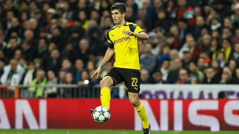 MADRID, SPAIN - DECEMBER 07: Christian Pulisic of Borussia Dortmund in action  during the UEFA Champions League match between Real Madrid CF and Borussia Dortmund at Bernabeu on December 7, 2016 in Madrid. (Photo by TF-Images/Getty Images)