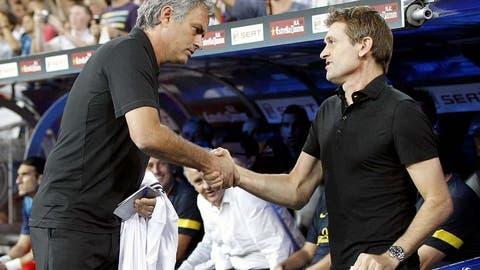 Mourinho gouges Vilanova's eye
