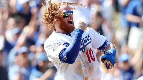 Dodgers re-sign Justin Turner