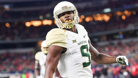 ARLINGTON, TX - NOVEMBER 25: KD Cannon #9 of the Baylor Bears after scoring a touchdown during the game against the Texas Tech Red Raiders on November 25, 2016 at AT&T Stadium in Arlington, Texas. Texas Tech defeated Baylor 54-35. (Photo by John Weast/Getty Images)