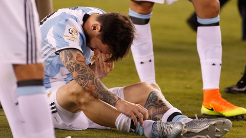 Lionel Messi retires and then un-retires from Argentina