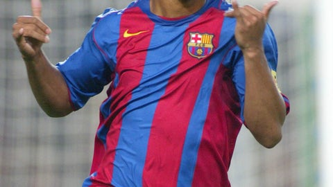 Ronaldinho standing ovation