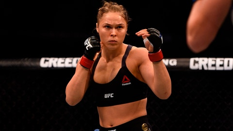 MELBOURNE, AUSTRALIA - NOVEMBER 15:  Ronda Rousey faces facing Holly Holm in their women's bantamweight championship bout during the UFC 193 event at Etihad Stadium on November 15, 2015 in Melbourne, Australia. (Photo by Jeff Bottari/Zuffa LLC/Zuffa LLC via Getty Images)