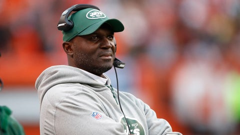 CLEVELAND, OH - OCTOBER 30:  Head coach Todd Bowles of the New York Jets looks on during the fourth quarter against the Cleveland Browns at FirstEnergy Stadium on October 30, 2016 in Cleveland, Ohio. (Photo by Gregory Shamus/Getty Images)