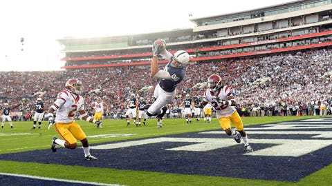 Mike Gesicki goes airborne